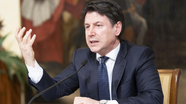 bonus, coronavirus, famiglie, Giuseppe Conte, Sicilia, Politica