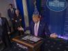 """Coronavirus, Trump: """"Ci saranno molti morti ma dobbiamo riaprire il Paese"""""""