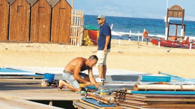 spiagge, Trapani, Politica