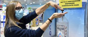 Coronavirus, da oggi la Sicilia in zona gialla: domenica coi negozi aperti, appello alla prudenza