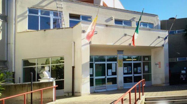 scuola, Palermo, Cronaca