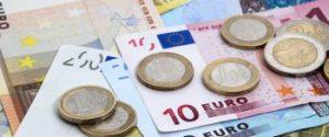 Dl Rilancio, approvato il reddito d'emergenza: Isee inferiore a 15mila euro, a chi spetta e come ottenerlo