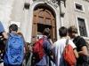 Studenti alluscita del liceo Visconti a piazza del Collegio Romano a Roma