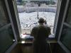 """Piazza San Pietro si ripopola di fedeli dopo 3 mesi, il Papa: """"È un piacere tornare"""""""