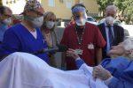 Positiva al coronavirus e operata per una frattura al femore: dimessa 97enne a Catania