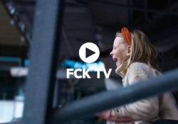Il video dei ragazzini danesi che vanno a scuola allo stadio  - Corriere Tv