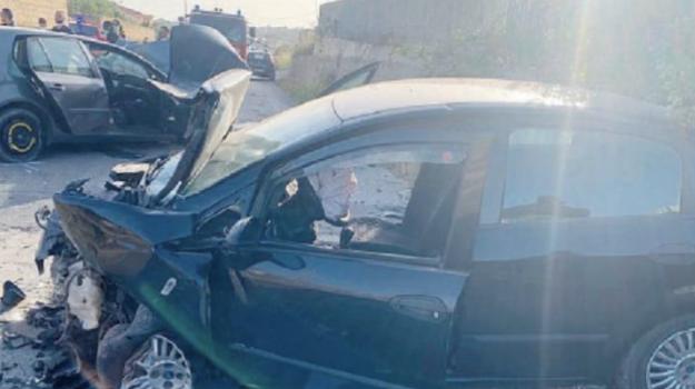 incidenti stradali, Niscemi, Caltanissetta, Cronaca