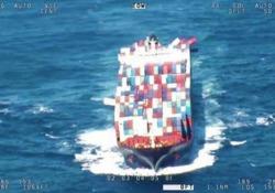 Mare in burrasca: la nave cargo perde 40 container Quaranta container sono stati persi in mare e altri 74 sono stati danneggiati. L'incidente al largo della costa del Nuovo Galles del Sud - CorriereTV
