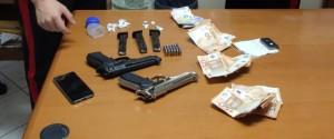 Priolo Gargallo, trovato con droga e due pistole: arrestato 31enne