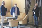 La protesta delle chiavi a Caltanissetta, i commercianti dal sindaco