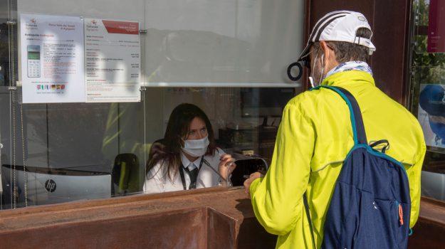 Riecco la Valle dei Templi dopo il lockdown: le foto dei primi visitatori