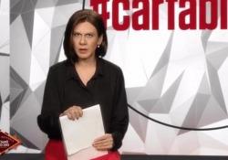 Virginia Raffaele diventa Bianca Berlinguer e se la prende con tutti  L'esilarante parodia sarà una delle tante maschere del Best Of «Facciamo che io ero…un'altra volta» in onda lunedì 25 maggio alle 21.20 su Rai2 - Corriere Tv