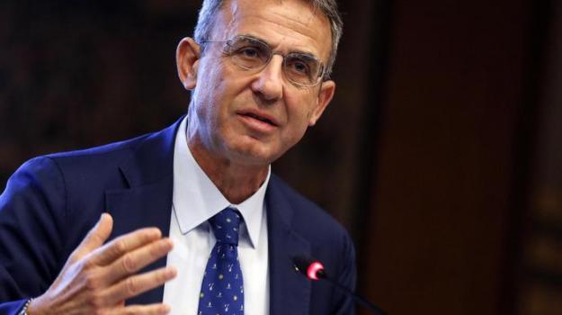 rifiuti, Nello Musumeci, Sergio Costa, Sicilia, Politica