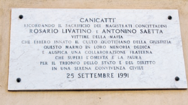 Canicattì, vandali danneggiano la lapide dei giudici Livatino e Saetta