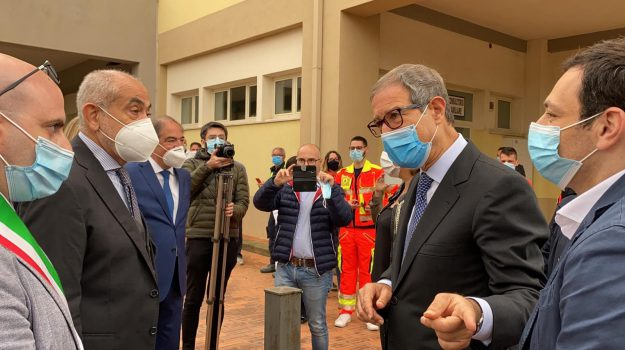 agira, coronavirus, Nello Musumeci, Ruggero Razza, Enna, Cronaca