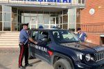 Riesi, aggredisce la moglie con pugni: arrestato rumeno