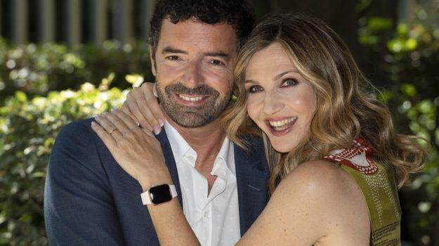tv, Alberto Matano, Lorella Cuccarini, Sicilia, Società