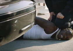 Dababy ai Bet Award 2020, canta nella stessa posizione in cui è morto George Floyd L'omaggio del rapper agli afroamericani uccisi - Ansa