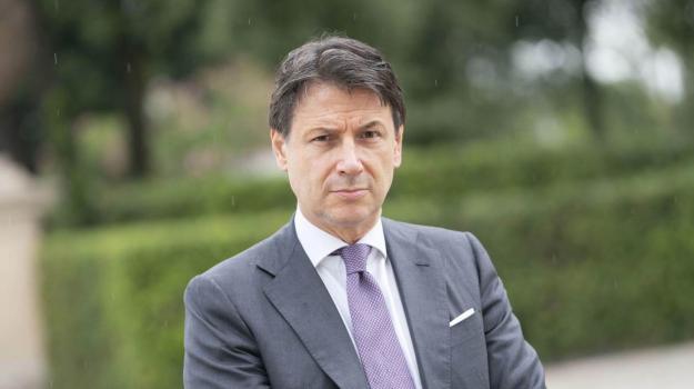 Giuseppe Conte, Sicilia, Politica