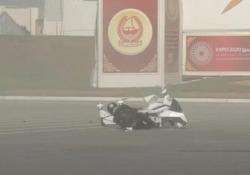 La moto volante si ribalta: il pilota rischia la pelle La moto volante di Hoversuf si è schiantata a terra durante un test di volo - CorriereTV