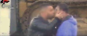 Un frame del video con le intercettazioni