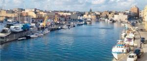 Primo caso di variante sudafricana in Sicilia, allerta a Mazara: positiva anche la moglie del marittimo