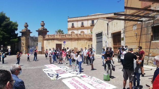 Lega, sardine, Palermo, Politica