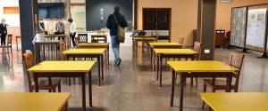 Banchi distanziati in classe