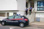 Da Palermo a Caltanissetta con 10 ovuli di cocaina nello stomaco: arrestati due nigeriani
