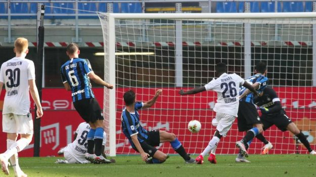 Inter beffata dal Bologna in rimonta: 2-1 per i felsinei, nerazzurri a -11 dalla Juventus