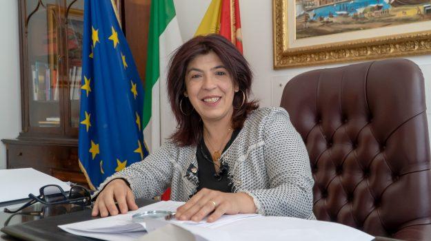 Angela Foti, Sicilia, Economia