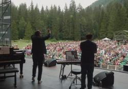 Brunori Sas a Tarvisio con la sua storica band Nuova tappa per i «Concertini Acustici» - Corriere Tv