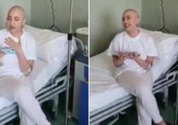 Cassandra canta «If I Ain't Got You» di Alicia Keys e sogna Amici  Vent'anni, al secondo ciclo di chemioterapia, fa il provino per il programma dall'ospedale - Corriere Tv