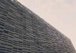 Il Maggio Musicale sale sul tetto del teatro a causa del Covid: per la prima volta arrivano le opere nella cavea all'aperto Due opere di Verdi - «Un ballo in maschera» e «La Traviata» – proposte al pubblico in forma di concerto nel teatro all'aperto sul tetto dell'edificio, t...