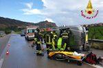 I vigili del fuoco durante le operazioni di soccorso