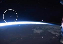 La cometa Neowise visibile a occhio nudo: fino a inizio agosto è caccia alla scia anche in Italia Ecco come appare dalla Stazione Spaziale Internazionale - Corriere Tv