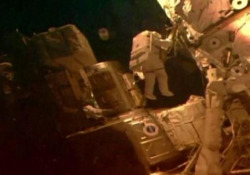 La passeggiata nello spazio degli astronauti Cassidy a Behnken La quarta in meno di un mese - Ansa
