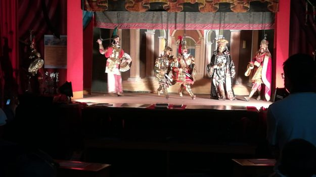 teatro, Sicilia, Società
