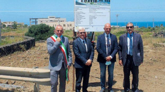 Pantelleria, la Scuola Superiore si farà: posata la prima pietra