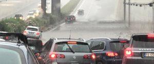Traffico in tilt per il violento temporale