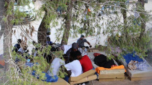 migranti, Nello Musumeci, Agrigento, Politica