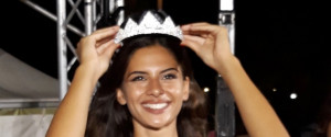Sofia Fici indossa la corona