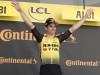 Ciclismo, il belga Van Aert vince la Milano-Sanremo
