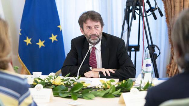 coronavirus, zona gialla, dario franceschini, Sicilia, Politica