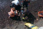 Camion della nettezza urbana in mare a Lipari, l'autista è in rianimazione