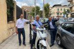 Strade pulite, a Messina i primi ciclomotori con aspiratore per le feci dei cani