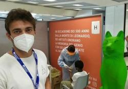 Fiumicino, medici dell'Usmaf/Asl: «Siamo noi lo scudo anti-virus, 70 positivi su 6200 passeggeri» Particolare attenzione per bambini: giochi e non solo controlli - Ansa