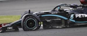 Gp di Gran Bretagna, Hamilton buca una gomma ma vince lo stesso: terzo un grande Leclerc