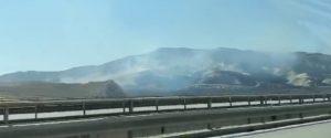 Caltanissetta, vasto incendio a Ponte cinque archi: fiamme visibili dall'autostrada