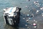Incidente a Lipari, camion precipita in mare: ferito l'autista, ha rischiato l'asfissia